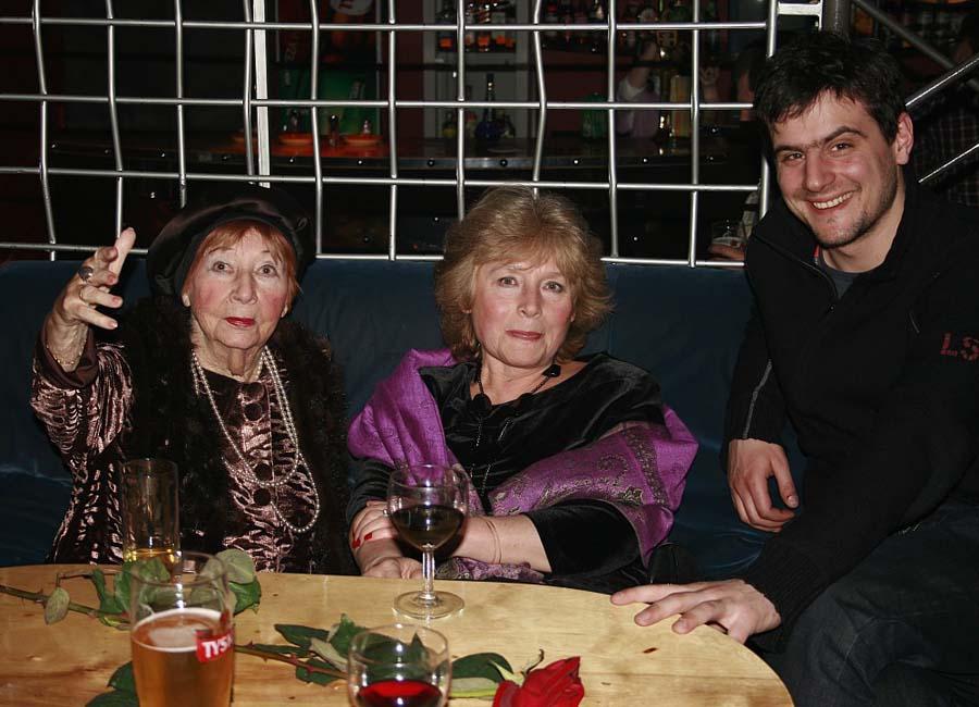 Irena Kwiatkowska, Krystyna Kwiatkowska, Antoni Pawlicki (Jeszcze nie wieczór)